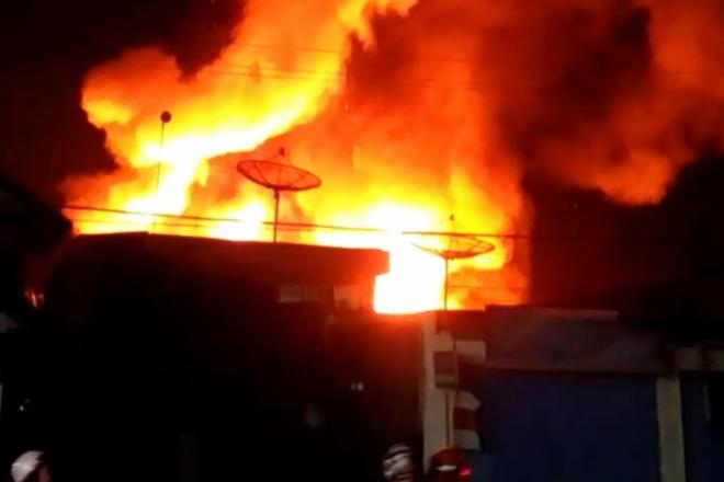 Kebakaran di Bone Sebabkan 3 Rumah Warga Hangus