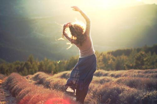 """Nếu bạn không yêu chính bản thân mình, hãy quên đi việc tìm kiếm """"Người duy nhất"""""""