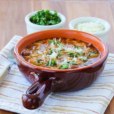 Slow Cooker Vegetarian Pasta e Fagioli Soup