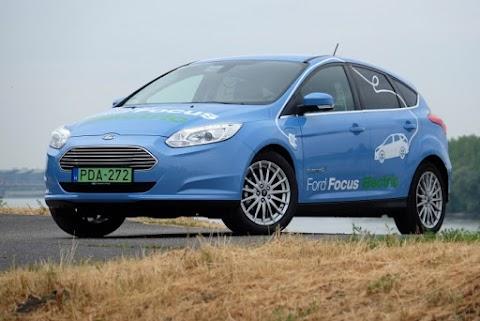 A Ford 2022-re egymillió elektromos autó értékesítését tervezi Európában