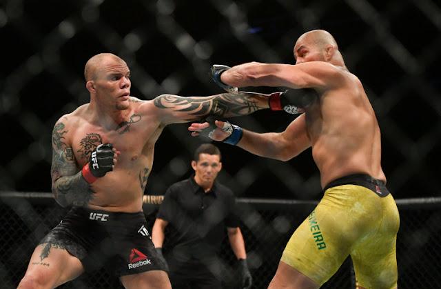 Glover Teixeira digs Anthony Smith UFC on ESPN+ 29