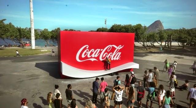 Coca-cola y su rampa para patinar