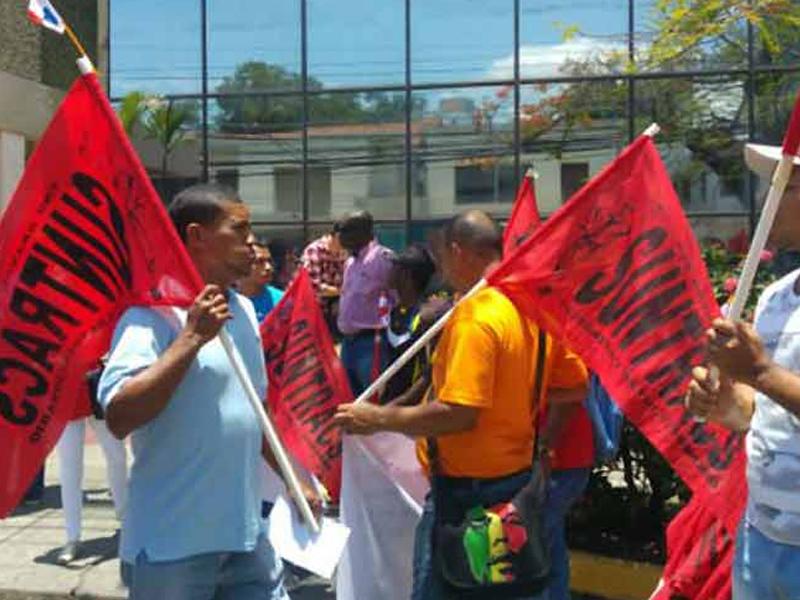 Con protestas recibirán en Panamá a vicepresidente de EE.UU.