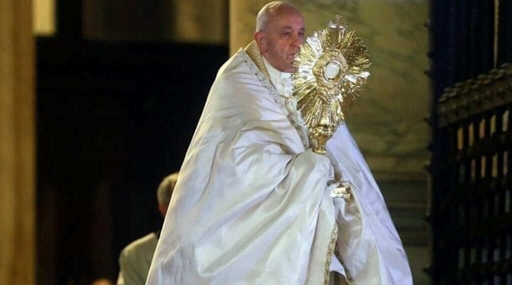 Adorasi Sakramen Mahakudus Bersama Bapa Paus Fransiskus; Berkat Untuk Bangsa dan Dunia