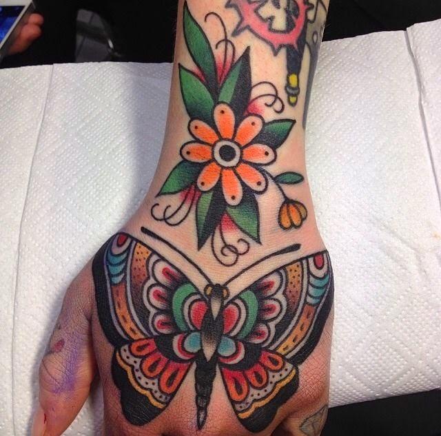 Gambar Tato Batik Bunga Di Tangan