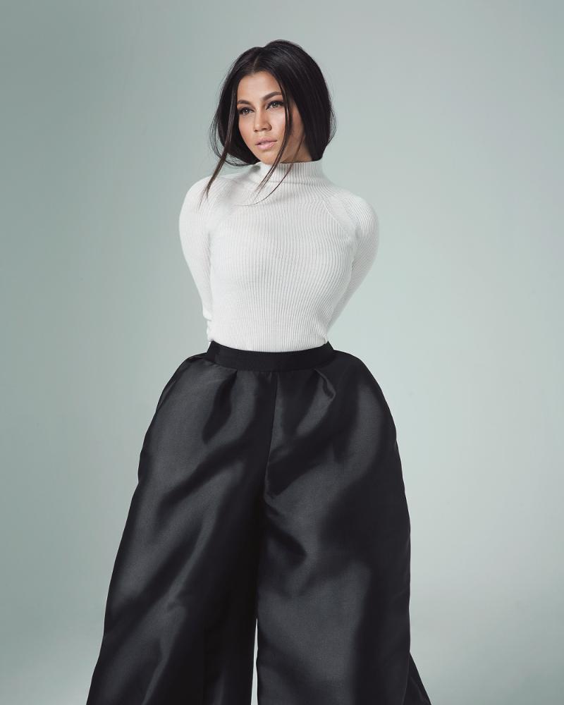 Maya Karin in elegan photoshoot dress