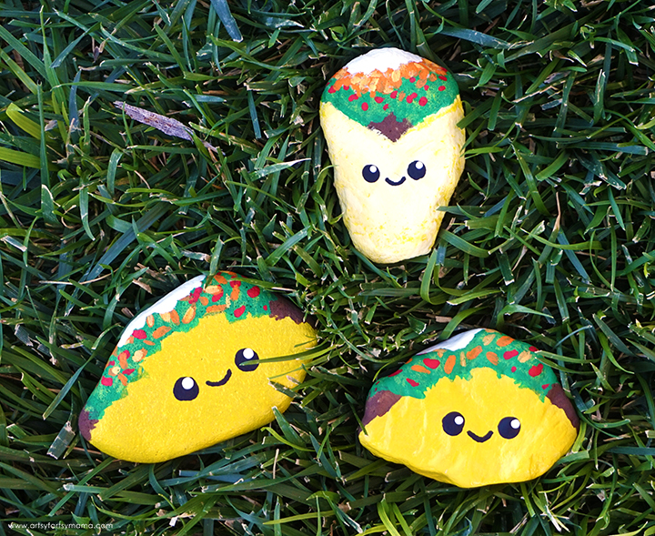 DIY Taco Painted Rocks in Grass