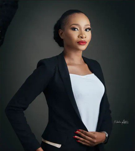 Beautiful Lady Bags First Class In Law After Spending 10 Years In 3 Different Universities