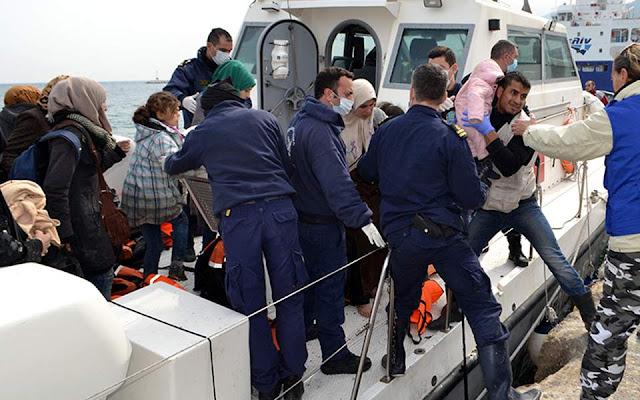 «Απόβαση» προσφύγων και μεταναστών στη Λέσβο