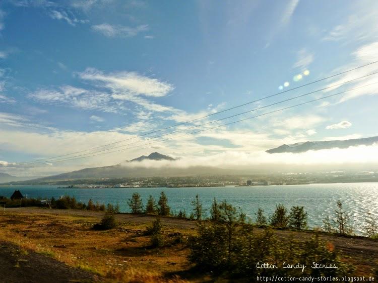 Blick auf den Fjord Eyjafjörður und Akureyri