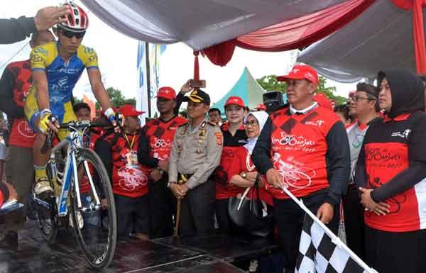 pembalap indonesia bersaing di tour de linggarjati