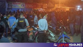 Warga Dua Kecamatan di Pringsewu Demo & Hadang Truck Fuso