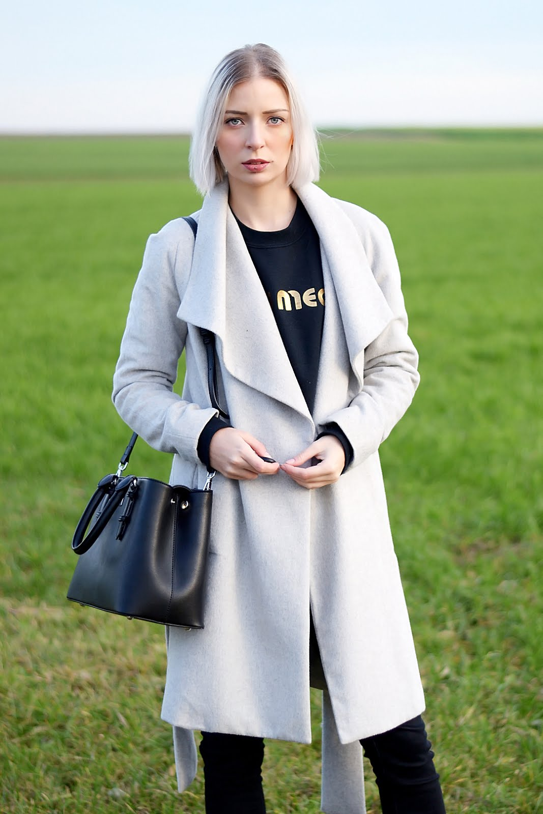 Grey coat, mac b bag, chatswood, bryan lichtenberg sweater, golden details, outfit, ootd