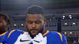 Los Angeles Rams defensive tackles Aaron Donald