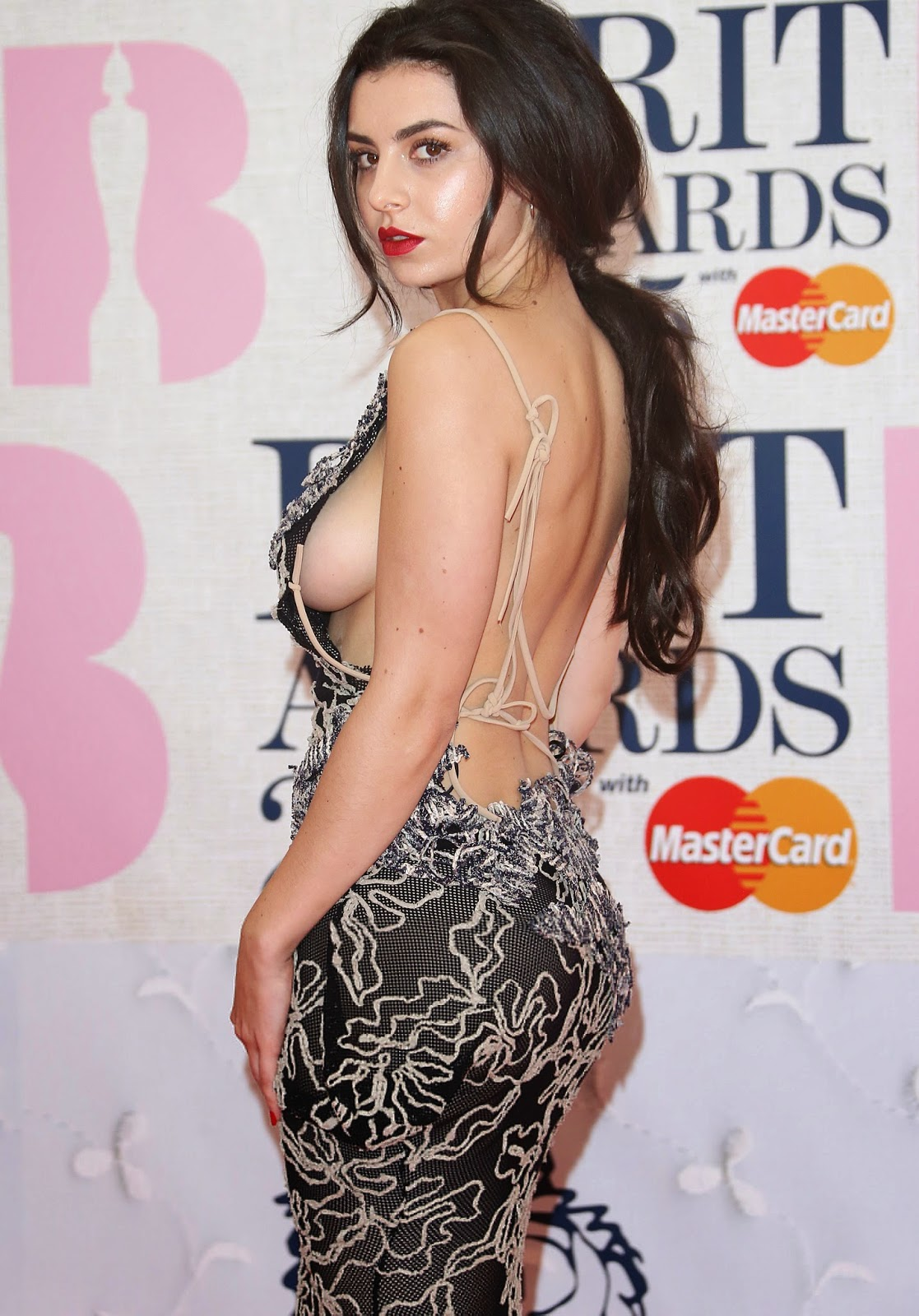 Charli XCX's Sideboob For The Win