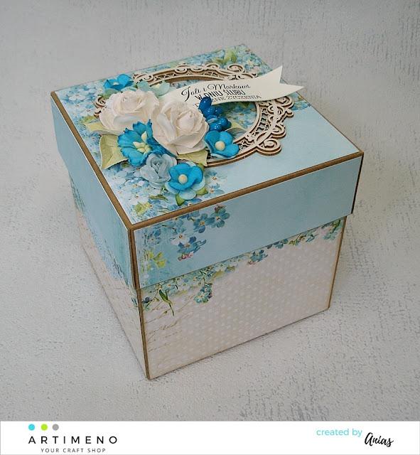 exploding box w kolorze niebieskim