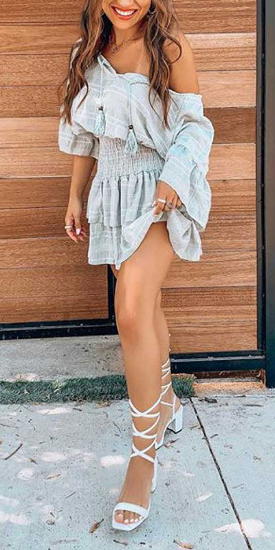 No matter what kind of date night you have planned for Valentine's Day. Here are 29 Romantic Valentines Day Outfits to Wow Your Date. Women's style + Fashion via higiggle.com |Cute mini dress | #valentine #style #romance #dress