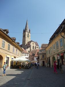 Sibiu - strada ce duce spre Turnul Scărilor și spre Pasajul Scărilor