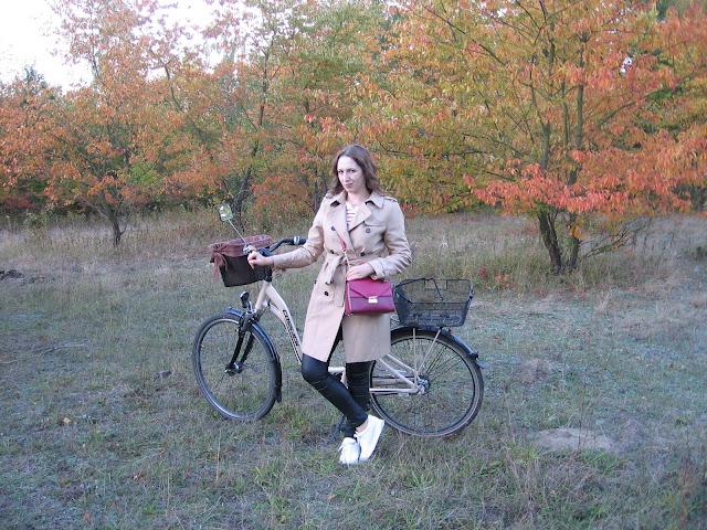 Jesienna stylizacja z trenczem