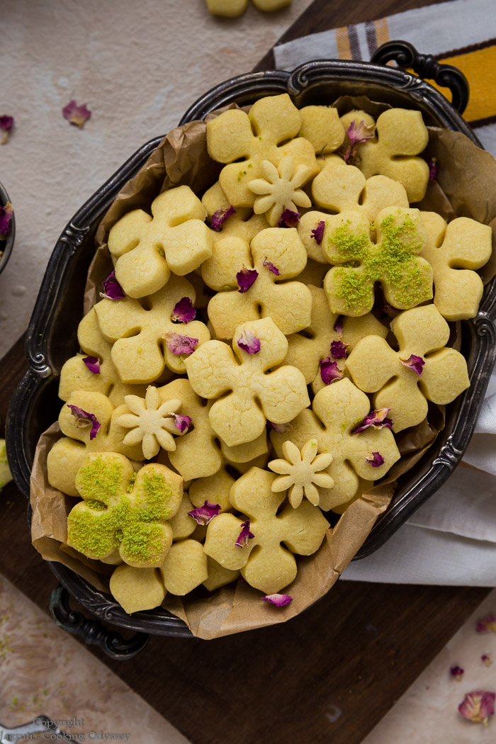 bite sized eggless sarron flavoured shortbread served in a metal tray