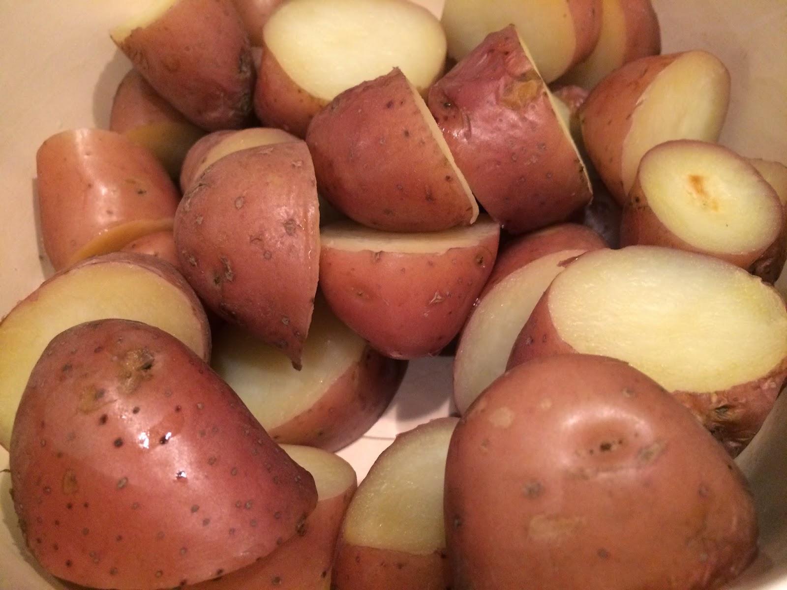 kleine aardappeltjes met schil