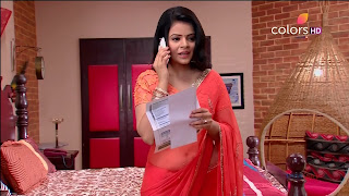 Jigyasa Singh from Thapki Pyaar Ki in Orange Transparent Saree (8).jpg