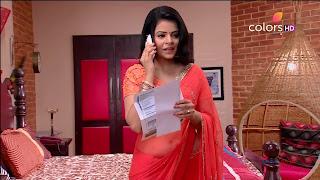 Jigyasa Singh from Thapki Pyaar Ki in Orange Transparent Saree (8).jpg