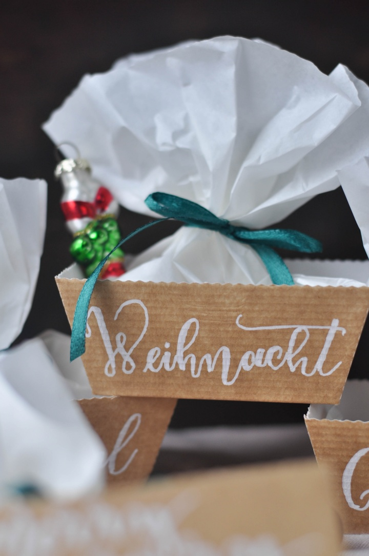 DIY Christmas Boxes, perfect for Christmas Calendar or little gifts