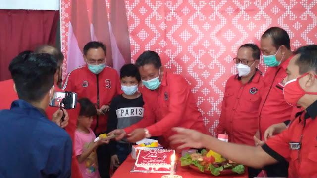 Momen Perayaan ulang tahun PDI Perjuangan di Kabupaten Sanggau