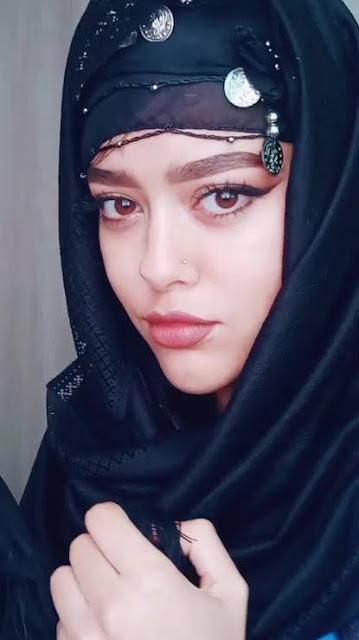 Sara Jeffali Photos
