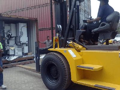 Proses Bongkar Muat Barang Behadle Import Mesin