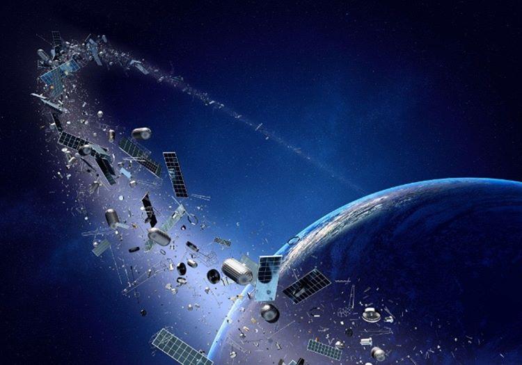 Dünyanın yöngesi adeta bir uydu mezarliği haline geldi, şu an için bu uydular temizlenemiyor.