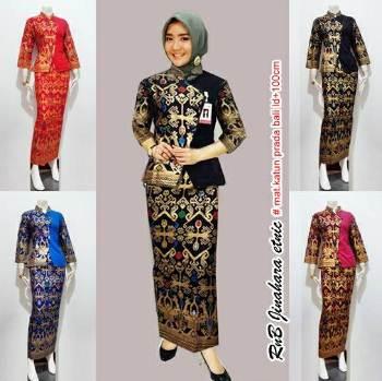 18 Koleksi Baju Batik Setelan Wanita  Model Terbaru Kombinasi