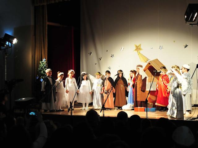 """Η Χριστουγεννιάτικη Γιορτή του 1ου Δημοτικού Σχολείου  Άργους είχε και """"Μάχη του Ζαχαροπλαστείου"""""""
