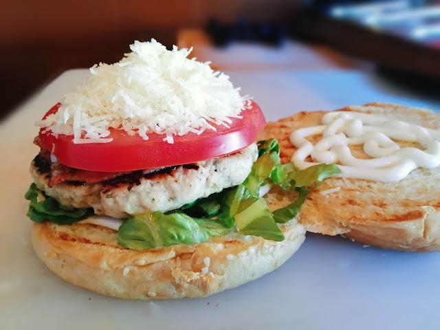 Burger_apo_spiti-burger