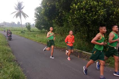 Jaga Kebugaran Dan Kesehatan, Kolonel Inf Andreas Nanang Dwi Prastowo, S.Ip. Lari 5 K Bersama  Prajurit Yonif Raider 514 Kostrad