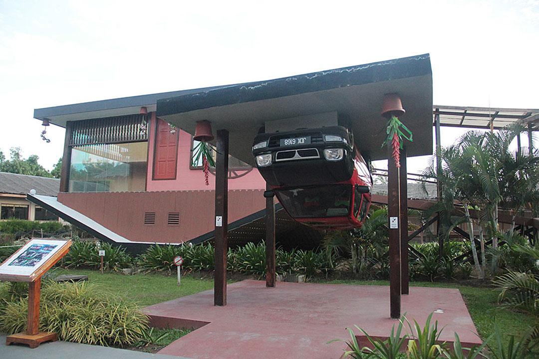 Rumah Terbalik Kundasang, Sabah