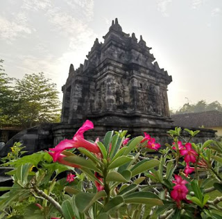 Templo Pawon o Candi Pawon.