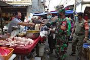 Sosialisasi PPKM dan Pembagian Masker Gencar di Lakukan Babinsa Koramil 02/TB di Wilayah Binaan