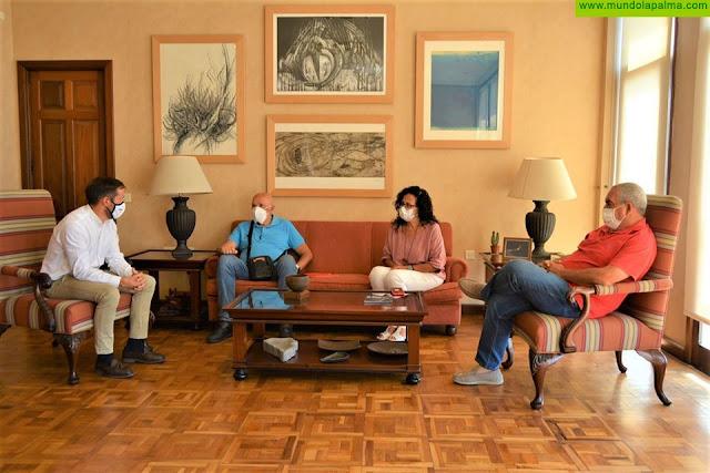 Mariano H. Zapata y Nieves Rosa Arroyo se reúnen con los Bomberos de La Palma y analizan la situación generada por el COVID-19
