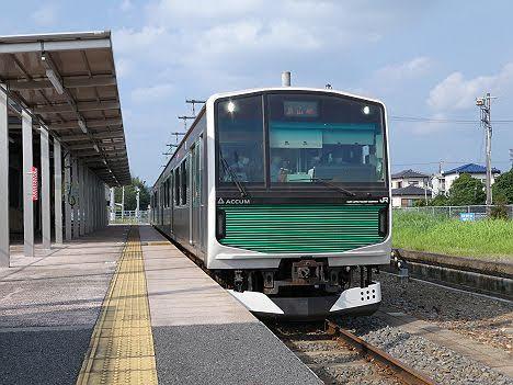 烏山線 宝積寺行き EV-E301系