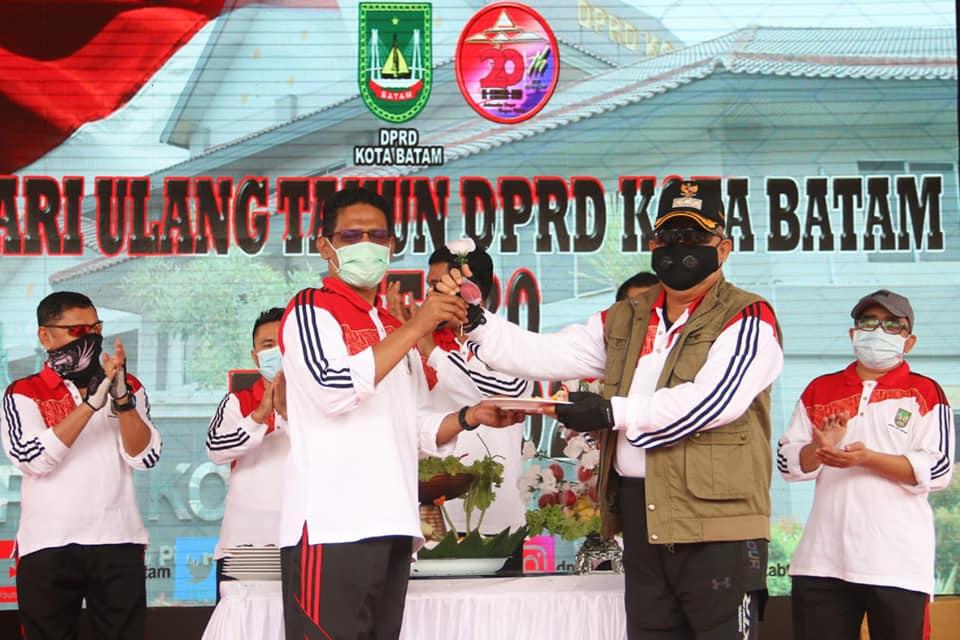 Pjs Walikota Mengapresiasi Kinerja DPRD Batam Selama 20 Ini