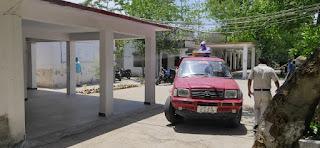 फायर ब्रिगेड सर्विस टीम द्वारा पुलिस अधीक्षक कार्यालय उरई जालौन में सेनेटाइज किया गया Sanitary in Orai Jalaun Office of Superintendent of Police by Fire Brigade Service Team      संवाददाता, Journalist Anil Prabhakar.                 www.upviral24.in