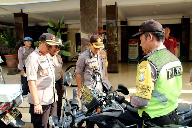 Cek Ranmor Dinas, Kapolres Lumajang: Jaga Kendaraan Dinas Dengan Baik Sebagaimana Kendaraan Milik Sendiri