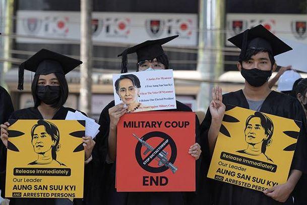 Militer Myanmar Peringatkan Warga Tidak Sembunyikan Demonstran Anti Kudeta