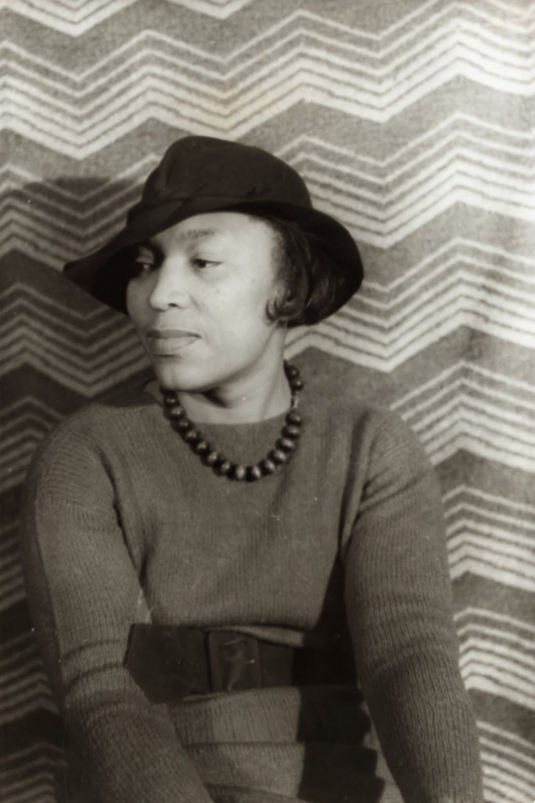 Photo of Zora Neale Hurston.  Image source: http://upload.wikimedia.org/wikipedia/commons/b/b9/Zora_Neale_Hurston_(1938).jpg
