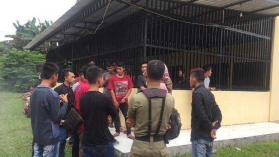 Di Jakarta Orang Orang QNET Di Gruduk Warga