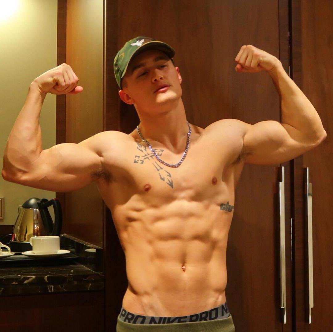 cocky-young-college-bro-fit-shirtless-body-biceps-flex