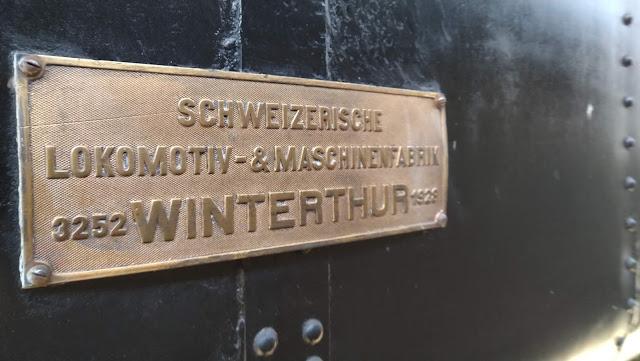 Setiap lokomotif punya nama dan tanda pengenal sendiri