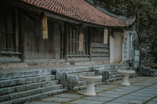 The solemn, serene beauty in two famous ancient pagodas in Hanoi